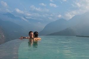 Bể bơi vô cực tại Topas Ecolodge Sapa