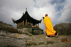 du lịch chùa đồng yên tử 1 ngày khởi hành hàng ngày