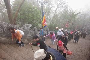 du lịch yên tử thăm quan chùa hoa hiên 1 ngày